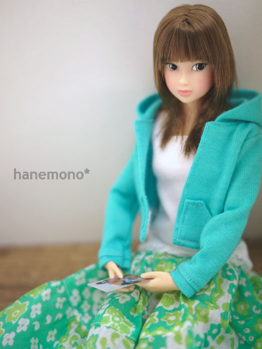 http://momoko.so-i.net/img/101009b08ad2.jpg