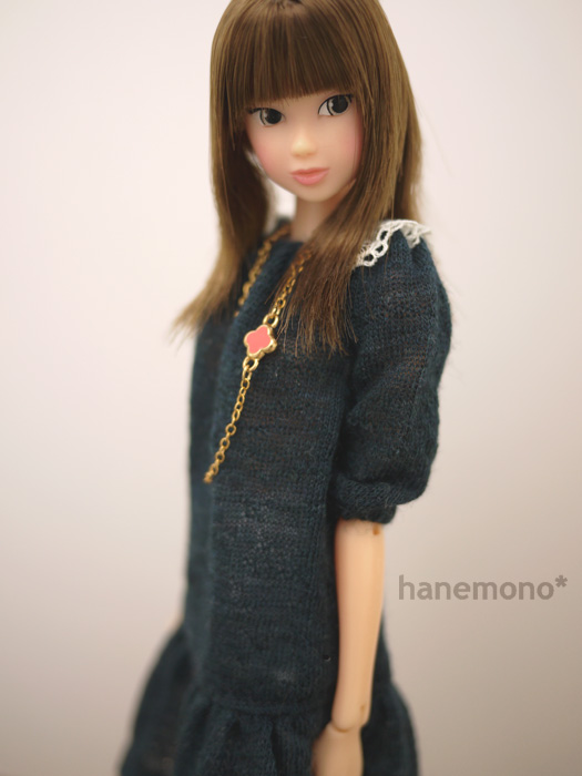 http://momoko.so-i.net/img/110102b08ad1.jpg
