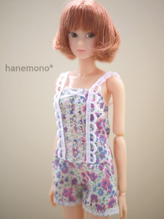 http://momoko.so-i.net/img/110807b10ac2.jpg