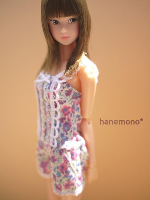 http://momoko.so-i.net/img/110812b08ad3.jpg