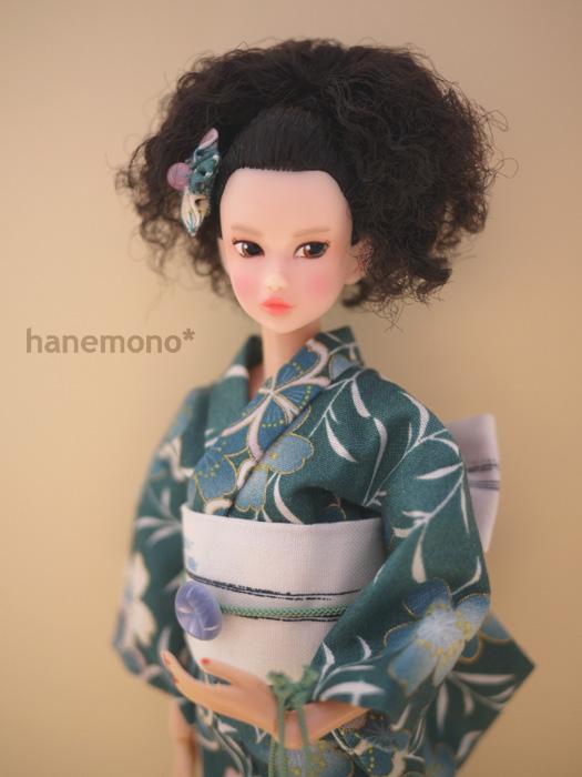 http://momoko.so-i.net/img/120921b12t6k2.jpg
